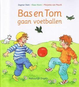 Bas_enTom_gaan_voetballen
